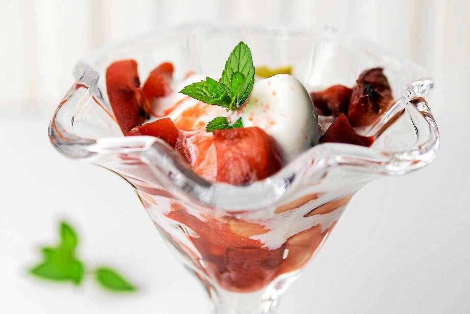 Grilled Fruit Sundaes With Strawberry Sauce Photo: Dixie D. Vereen — The Washington Post   / THE WASHINGTON POST