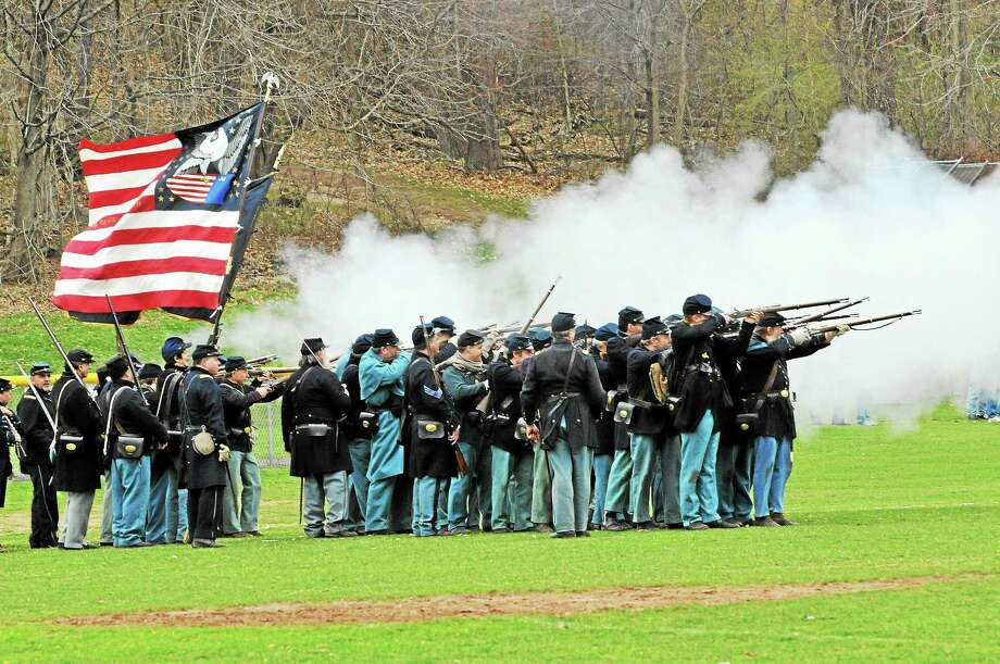 Re-enactors will perform drills, demonstrate artillery and re-enact a battle this weekend. Photo: Connecticut Civil War Commemoration Commission
