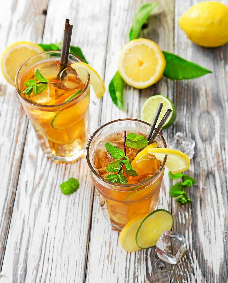 For a sweet twist on iced tea, add a bit of your favorite fruit, fruit juice or fruit puree. Photo: Fotolia   / Kesu