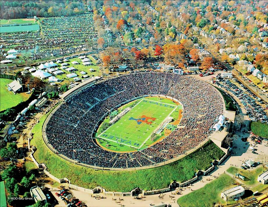 Don Couture ¬ An aerial view of the Yale-Harvard game at the Yale Bowl in 2005. Photo: Journal Register Co.