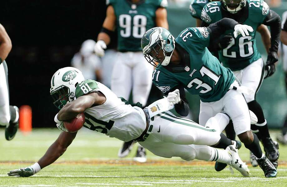 New York Jets wide receiver Quincy Enunwa (81) was suspended four games without pay by the NFL on Monday for violating the league's personal conduct policy. Photo: Adam Hunger — The Associated Press File Photo   / FR110666 AP