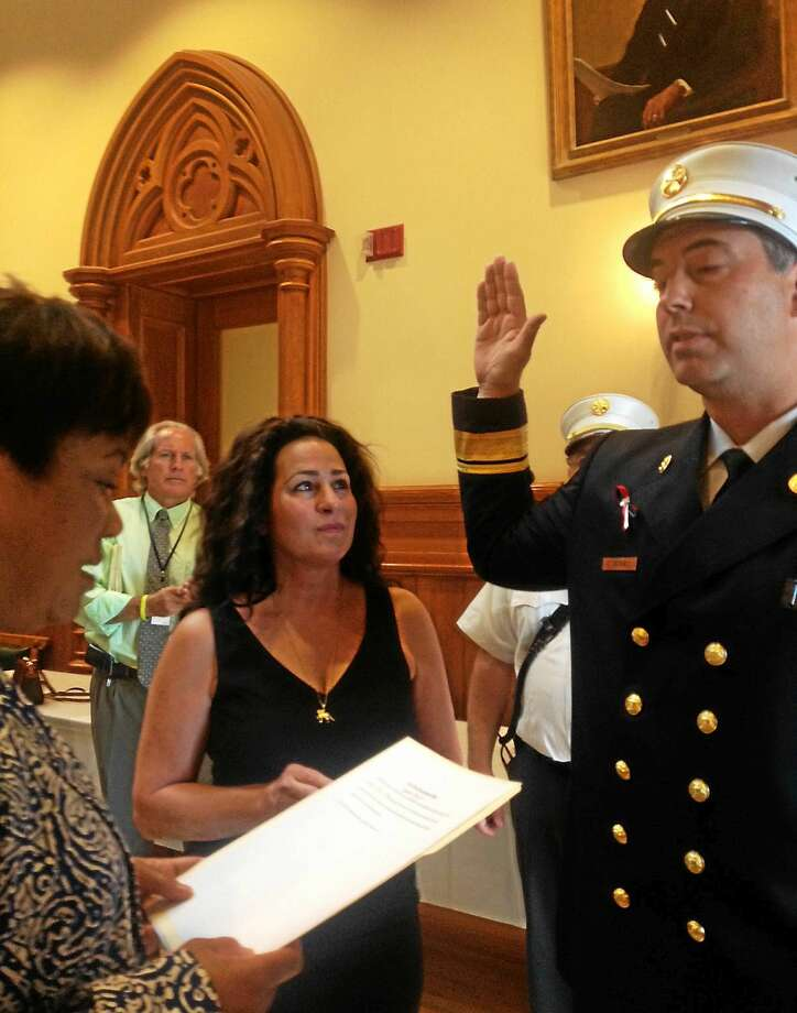 Robert Doyle takes the oath of office Wednesday. Photo: Mary O'Leary — New Haven Register