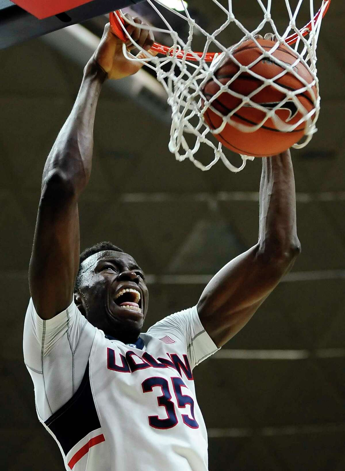 UConn's Amida Brimah dunks during the second half of the Huskies' 100-56 win over Maine on Friday in Storrs.