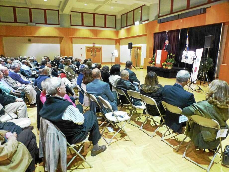 Ambassador Dennis Ross speaks  at the Jewish Community Center of Greater New Haven. Photo: Ryan Flynn — New Haven Register