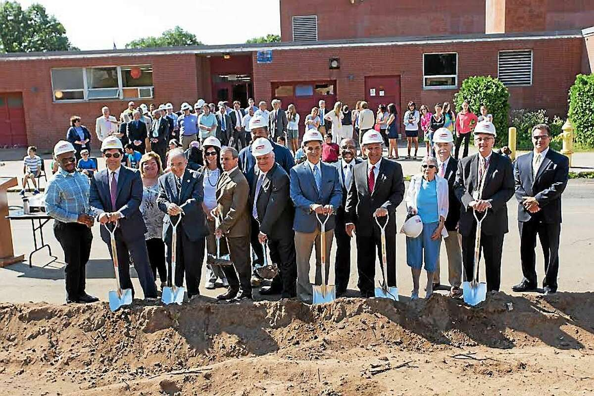 North Haven Middle School construction project was celebrated with a ground-breaking event Thursday.