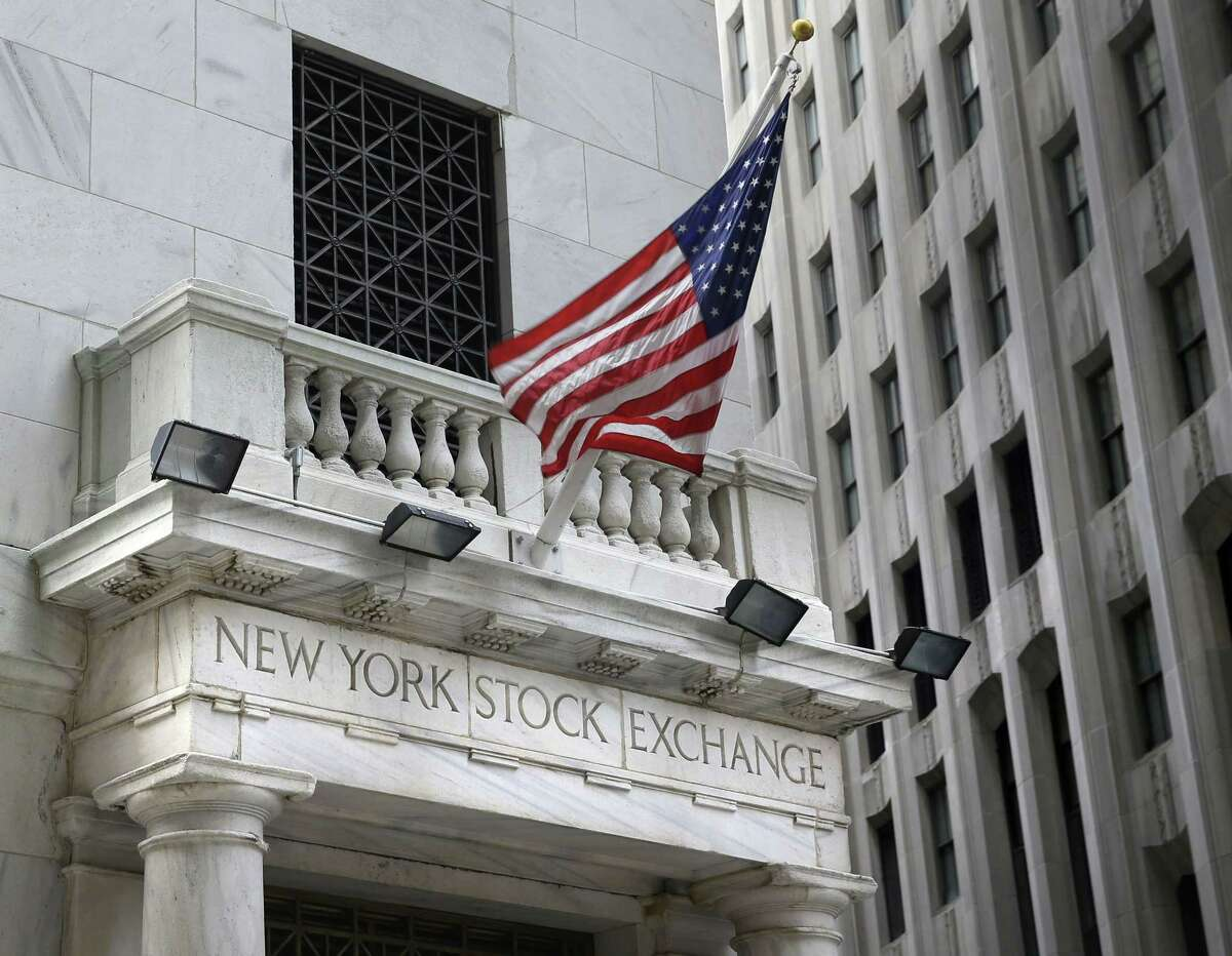 This Aug. 24, 2015 photo shows the New York Stock Exchange. Asian stocks were mixed and Europe rose Monday, Sept. 14, 2015 asinvestors look ahead to this week's U.S. Federal Reserve decision on interest rates.