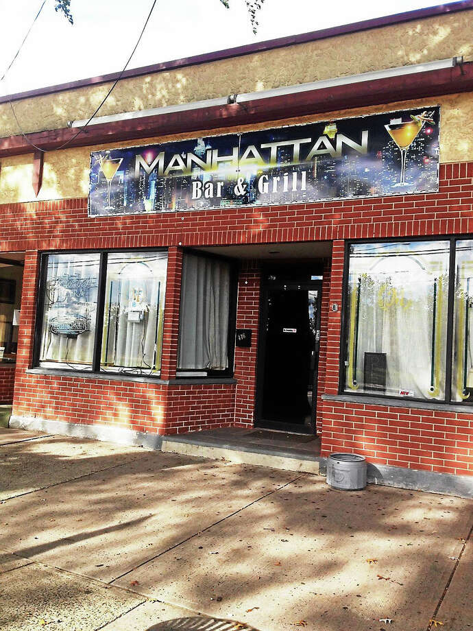 Manhattan Bar & Grill on Forbes Avenue. Photo: Mary O'Leary — New Haven Register