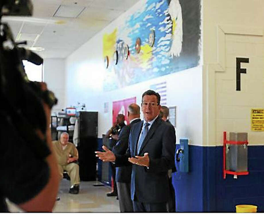Gov. Dannel P. Malloy addresses the veterans' unit. Photo: Journal Register Co.