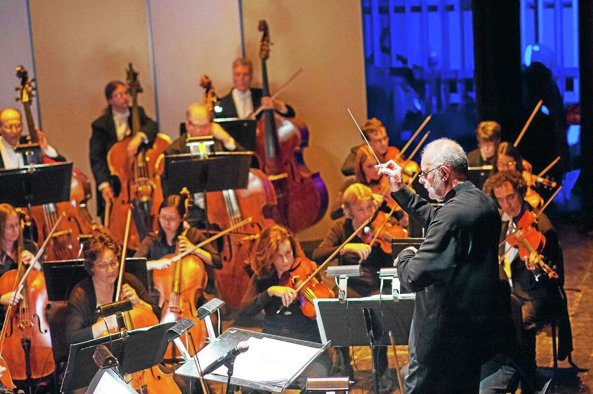 William Boughton conducts the New Haven Symphony Orchestra.