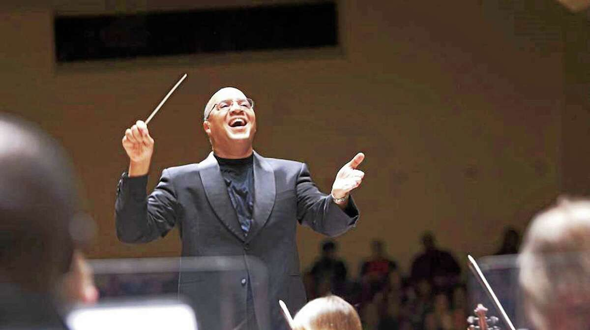 Chelsea Tipton will put concert-goers in the holiday spirit with four New Haven Symphony Orchestra pops shows.