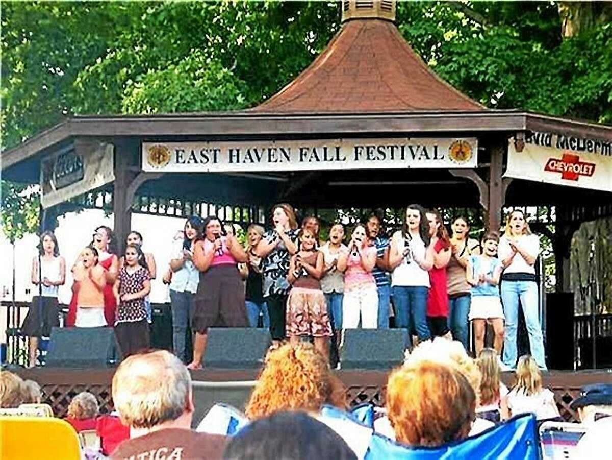 Musical entertainment, including students from the Wagner-Iovanna Vocal Studio, continues through Sunday.