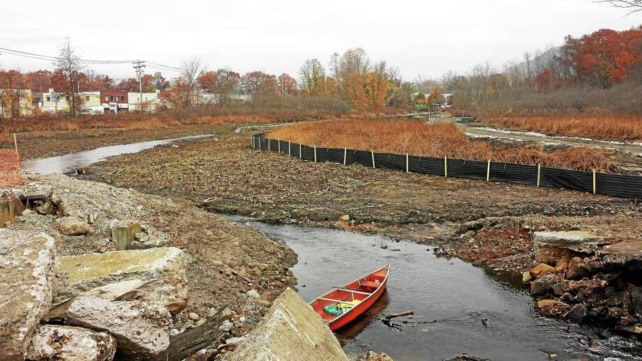 The Pond Lily Dam Removal Project was launched Thursday in New Haven. Photo: Journal Register Co.