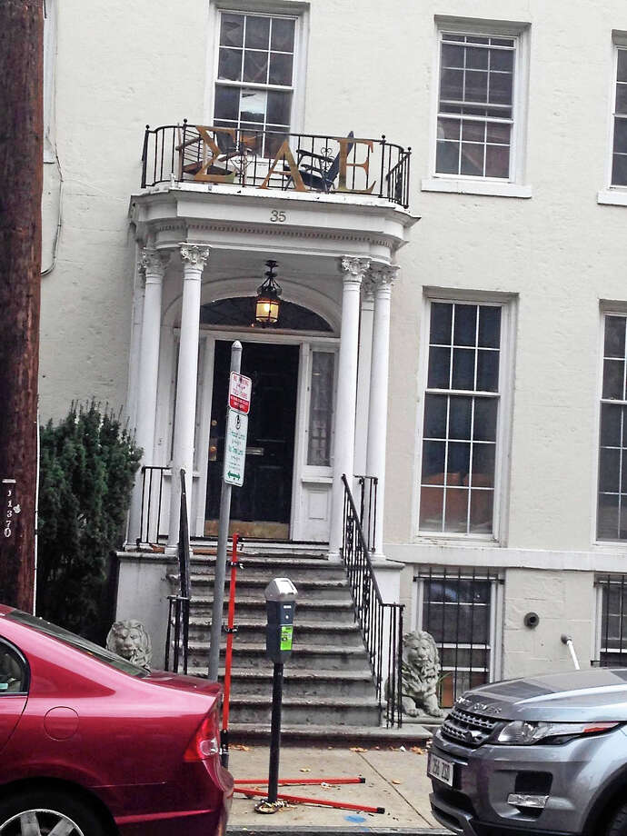 Sigma Alpha Epsilon house just off Yale's New Haven campus. Photo: Ed Stannard — New Haven Register