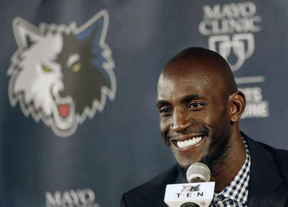 The Minnesota Timberwolves and Kevin Garnett have agreed to terms on a two-year contract. Photo: Jim Mone — The Associated Press File Photo   / AP