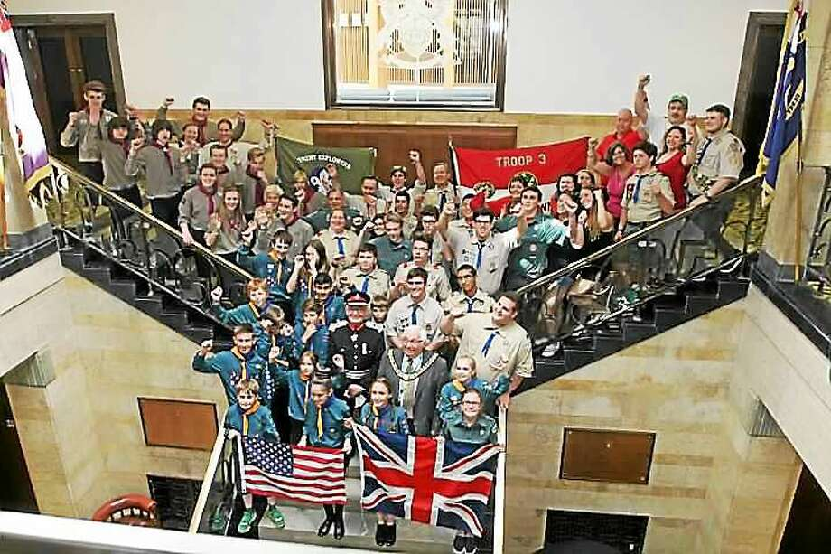 Derby, England Mayor Paul Pegg and Lord Lieutenant Willie Tucker met with the Troop 3/Crew 33 Derby, Connecticut and Derby, England scouts in the City Council Chamber, where Troop 3 Committee Member and Derby Alderman Felicia Monaco presented Councillor Pegg with a key to the city on behalf of Mayor Anita Dugatto. Photo:  Contributed Photo