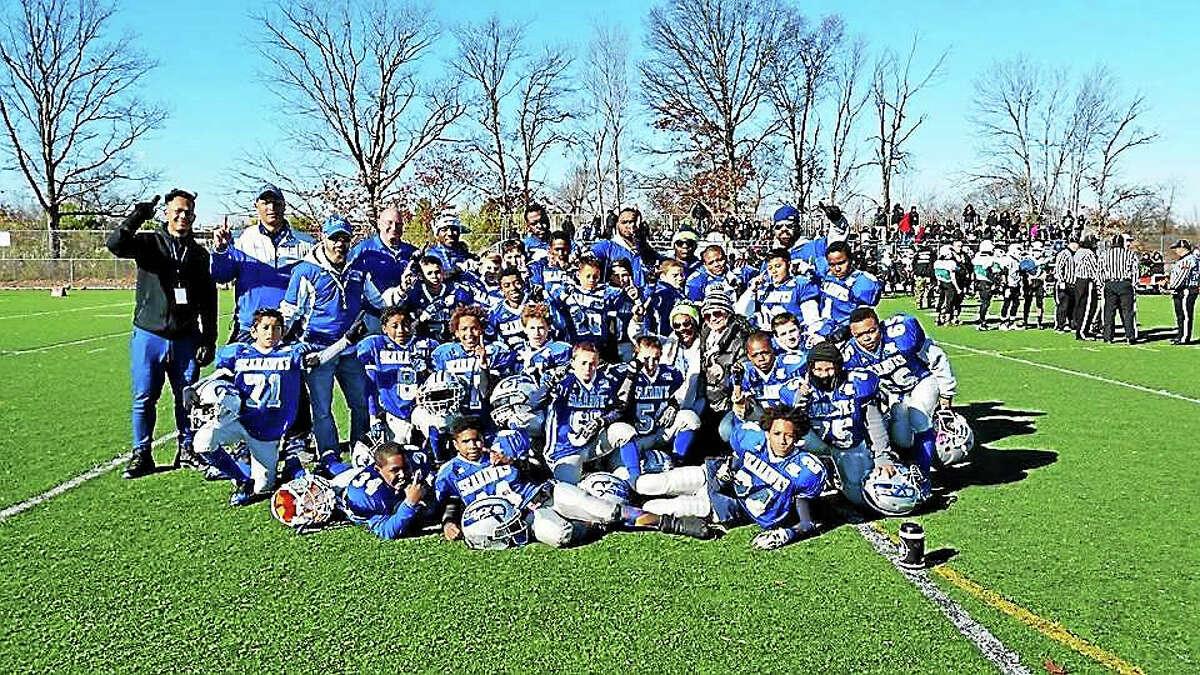 West Haven Seahawks cheerleaders