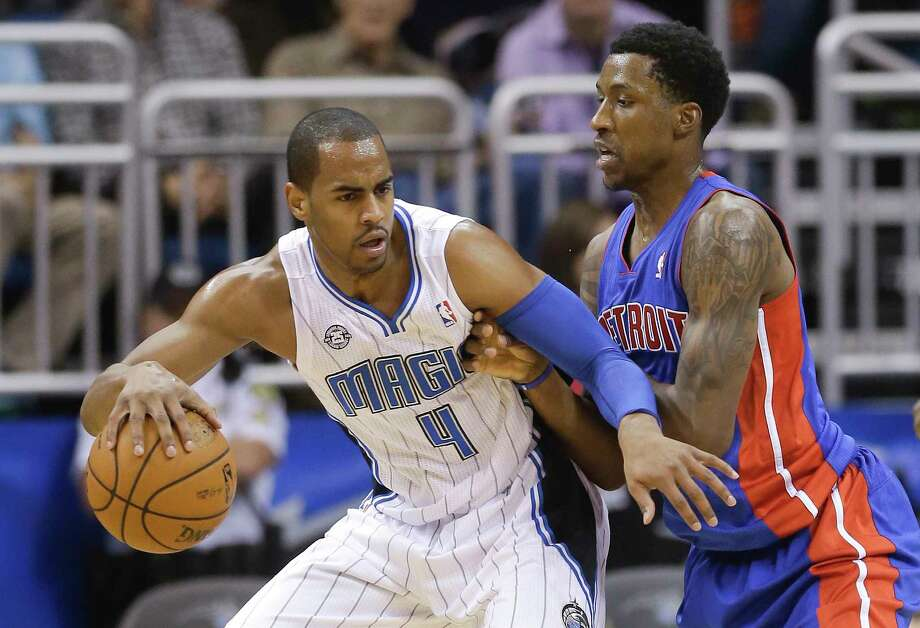 Arron Afflalo (4) agreed to a two-year deal with the New York Knicks. Photo: John Raoux — The Associated Press File Photo   / AP