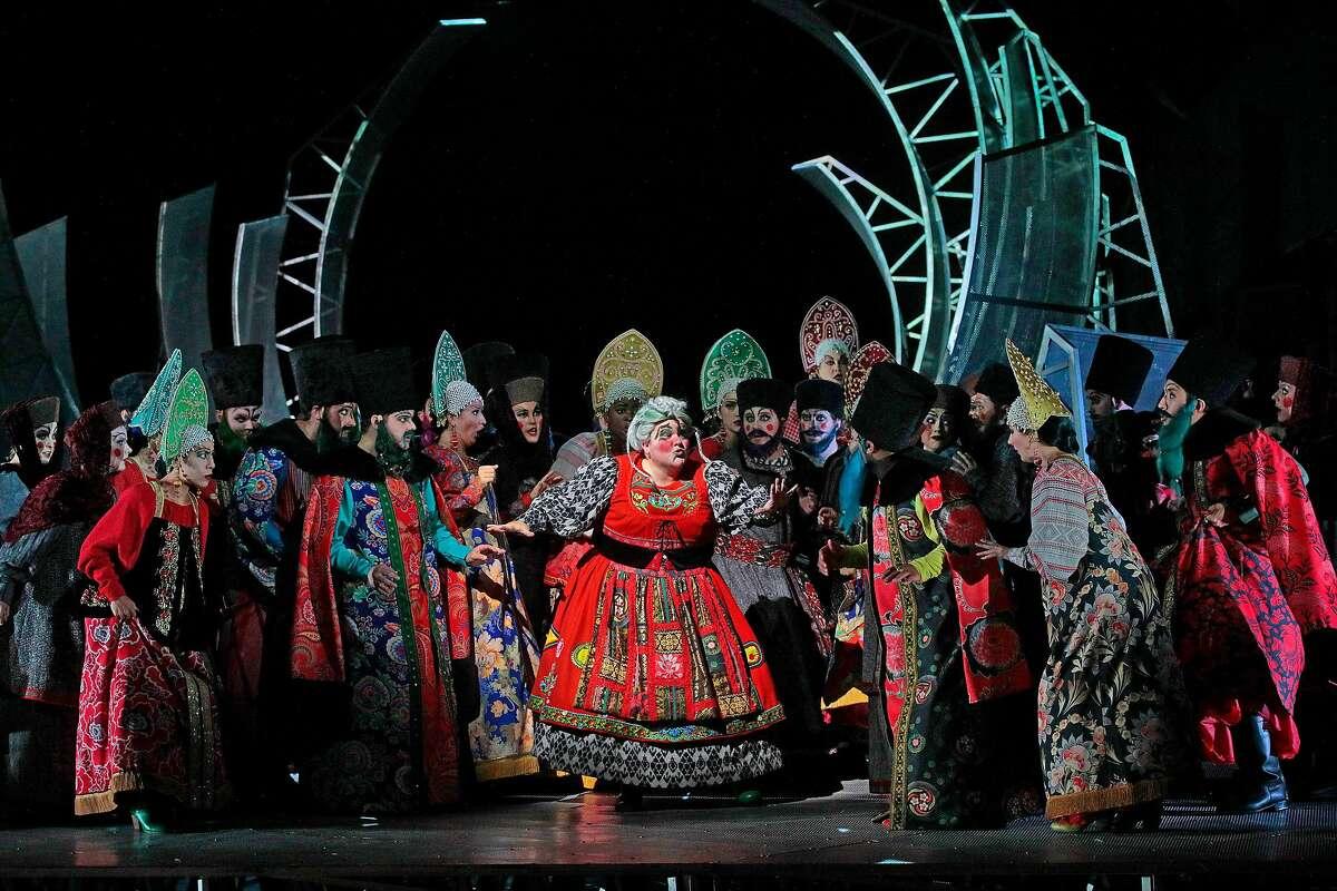 "Meredith Arwady (center) in Rimsky-Korsakov's ""The Golden Cockerel"" at Santa Fe Opera"