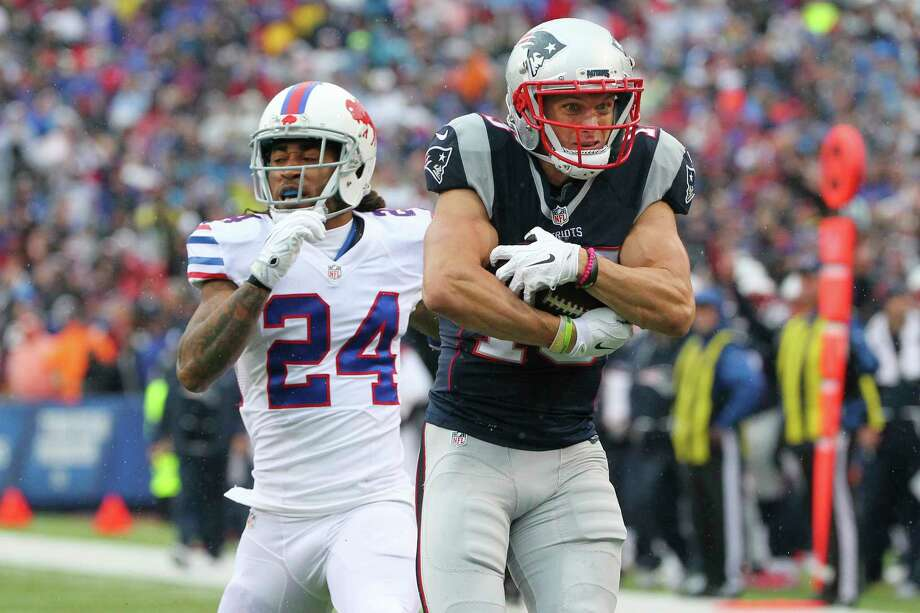 Chris Hogan, right, is among a deep and talented group of wide receivers that makes the Patriots' offense so dangerous. Photo: Bill Wippert, FRE / FR170745 AP