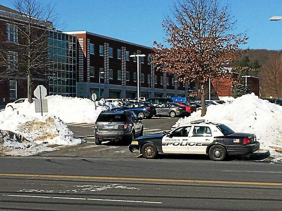 Police were on scene at Hamden High School where a bomb threat was reported Friday morning. Photo: Photo By Wes Duplantier -- New Haven Register