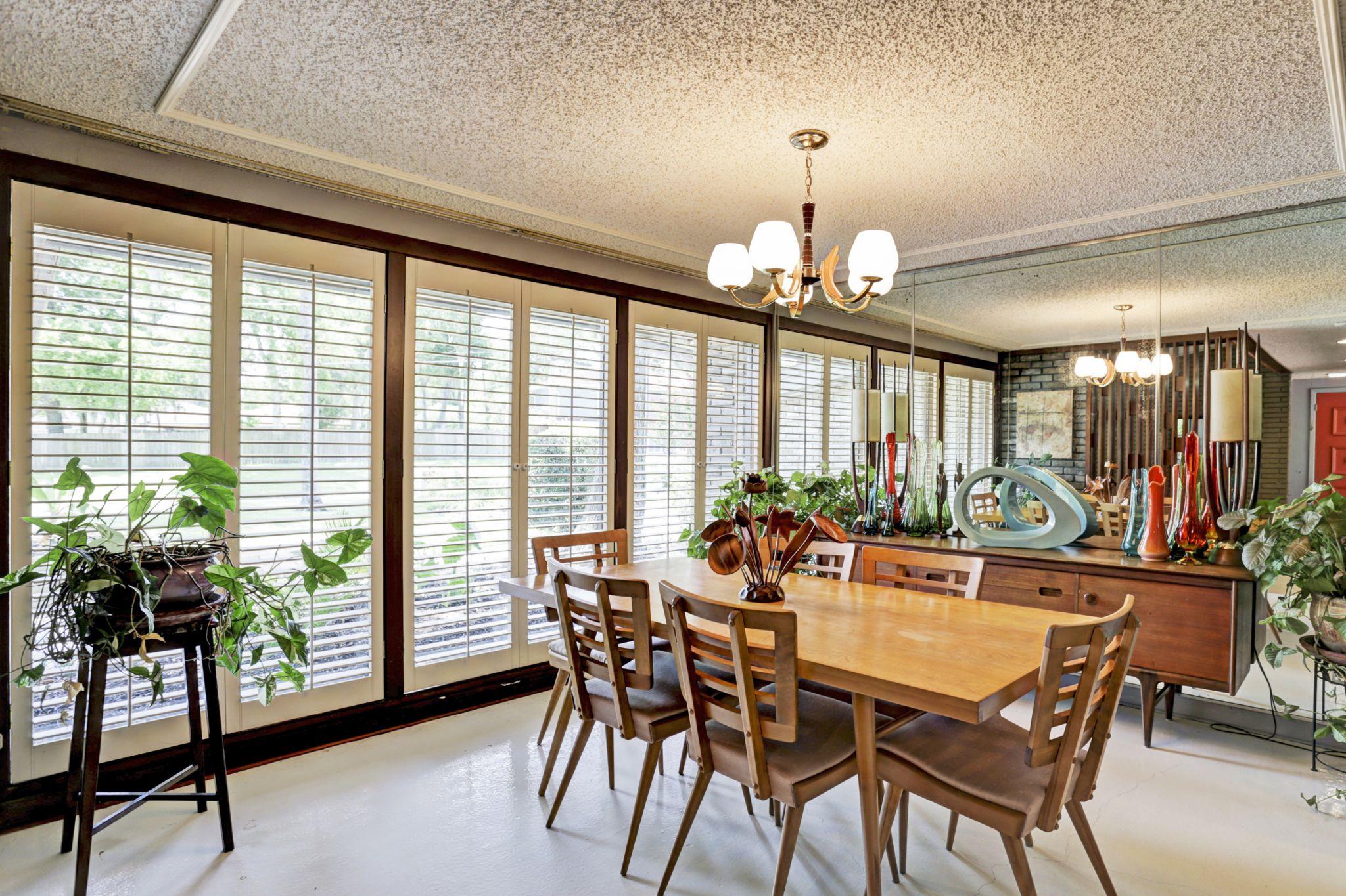 Midcentury Modern Home In Glenbrook Valley Still Awaits