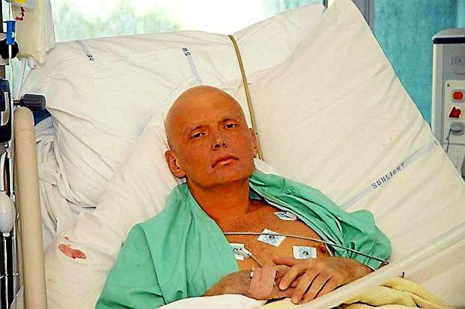 Alexander Litvinenko in the hospital after being poisoned. Photo: Journal Register Co. / www.thetimes.co.uk