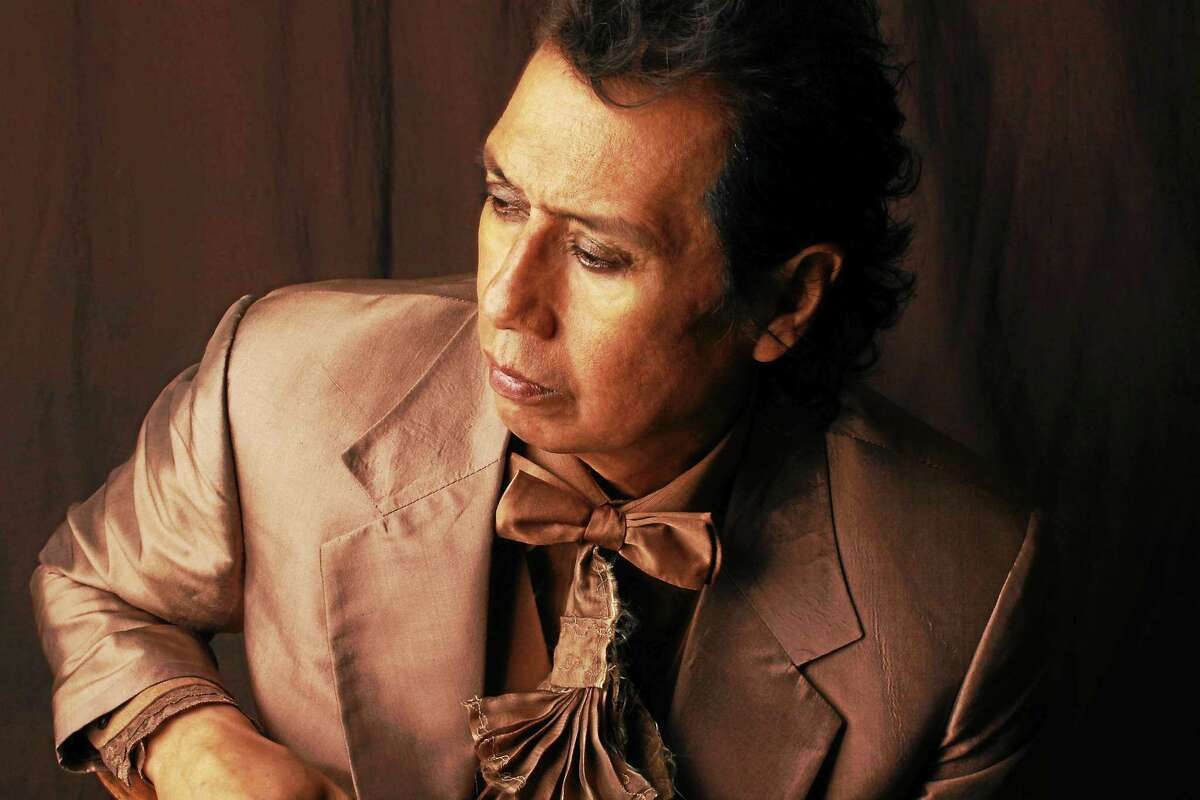 Alejandro Escovedo returns to Fairfield Theatre Company's StageOne this weekend.