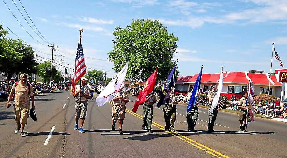 The weather was fine as scores of marchers and several hundred spectators turned out for the Hamden Memorial Day Parade Monday. Photo: Kate Ramunni—New Haven Register