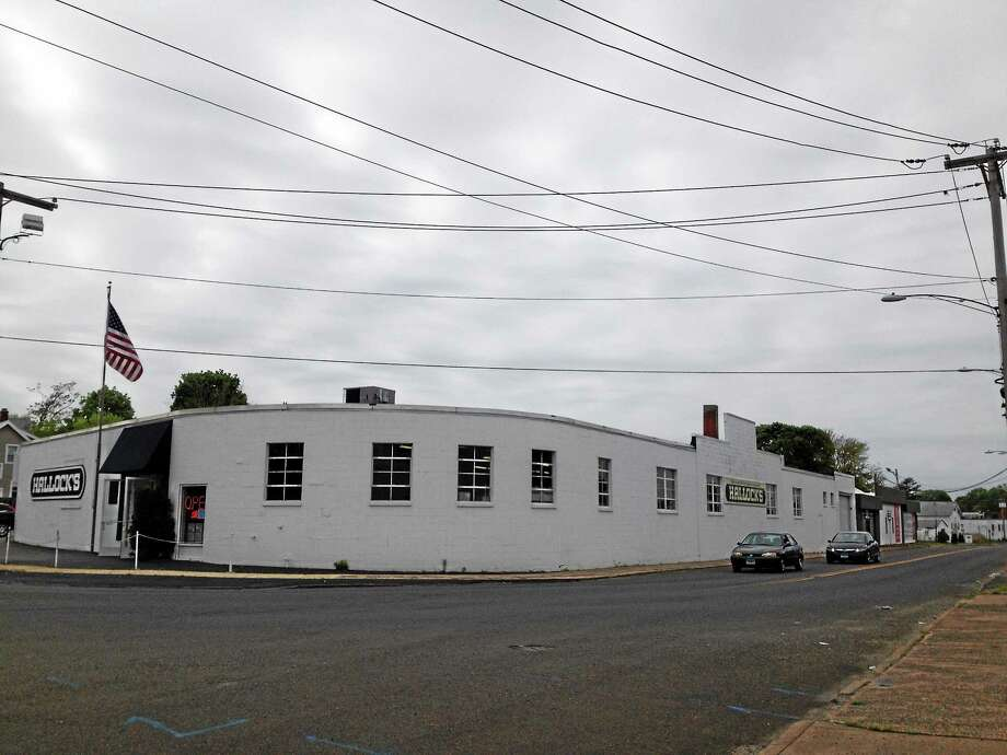 The current Hallock's warehouse store on Main and Waters streets in West Haven Photo: Mark Zaretsky - New Haven Register