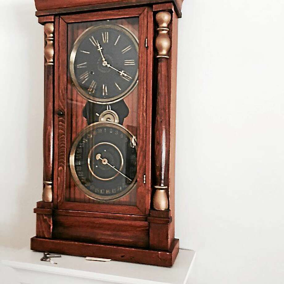 Forum history of new haven clock making alive and ticking this one of the clocks from the new haven clock co photo contributed photo amipublicfo Images