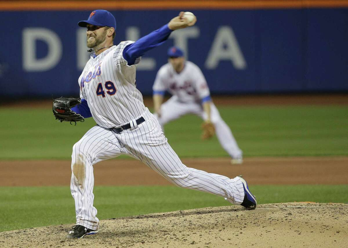 The Mets' Jonathon Niese delivers a pitch against Atlanta in Tuesday's 7-1 win over the Braves.