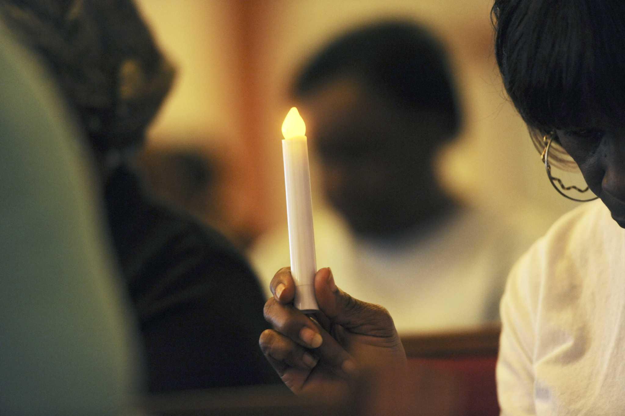 prayer vigils honoring vi - HD1140×797