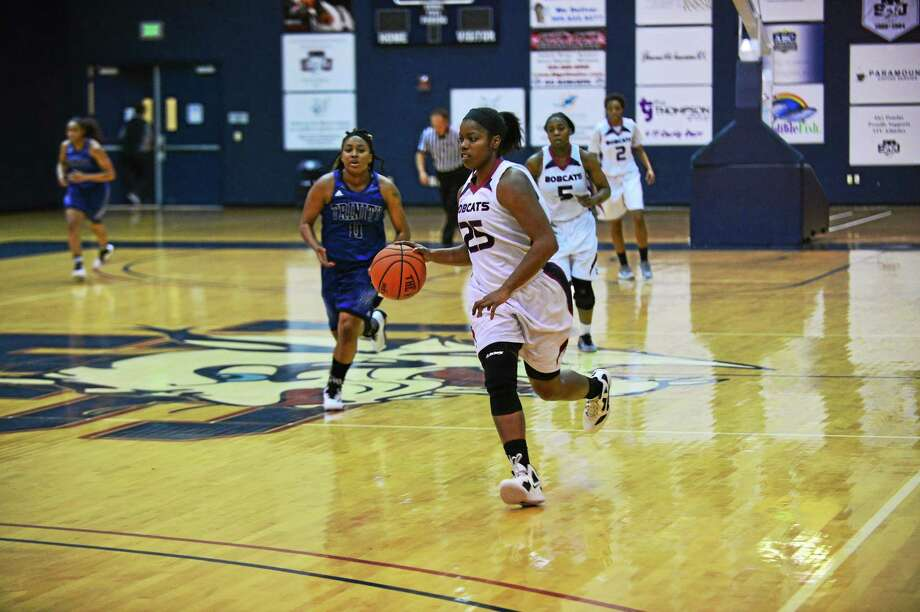 Former Hillhouse standout Dannisha Pierce is fifth in NAIA Division II in scoring, averaging 20.9 points per game. Photo: Submitted Photo