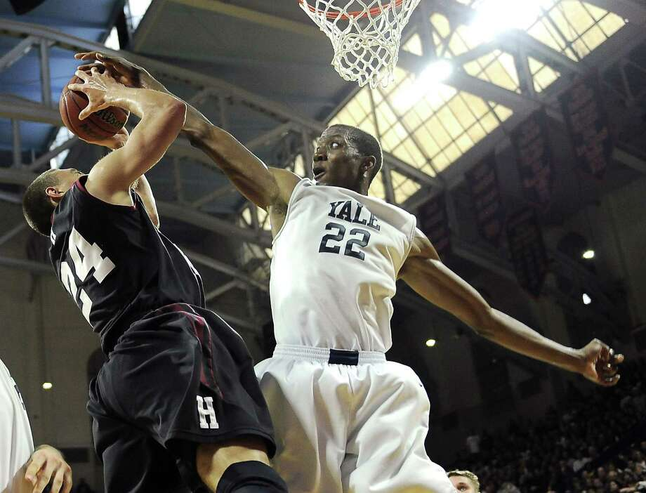 Justin Sears (22) and Yale did not get an invite to the NIT after one of the best seasons in program history. And no one appears to know why. Photo: Michael Perez — The Associated Press File Photo   / FR168006 AP