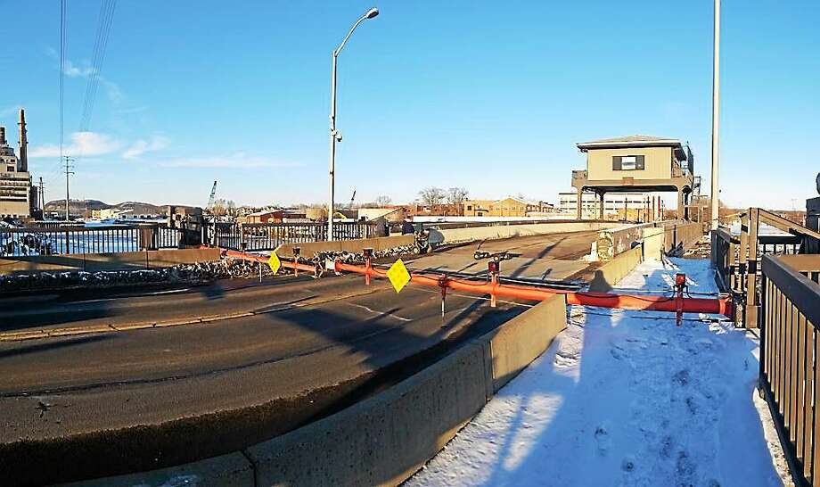 (Evan Lips - New Haven Register) New Haven officials say Chapel Street's Mill River bridge likely will be closed all weekend due to a mechanical issue. Photo: Journal Register Co.