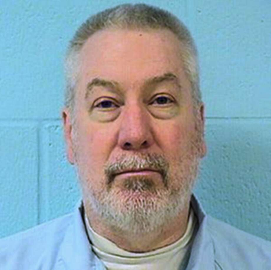 FILE - This undated photo provided by the Illinois Department of Corrections shows Drew Peterson, the former suburban Chicago police officer convicted of killing his third wife and suspected in the disappearance of his fourth. On Tuesday, March 3, 2015, Peterson is expected in court at the Randolph Couty Courthouse in Chester, Ill., for a preliminary hearing on charges that he tried to hire someone to kill the Will County prosecutor who helped put him in state prison. (AP Photo/Illinois Department of Corrections, File) Photo: AP / Illinois Department of Corrections