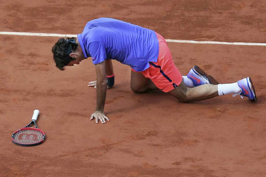 Roger Federer fell to Stan Wawrinka on Tuesday at the French Open in Paris. Photo: David Vincent — The Associated Press   / AP
