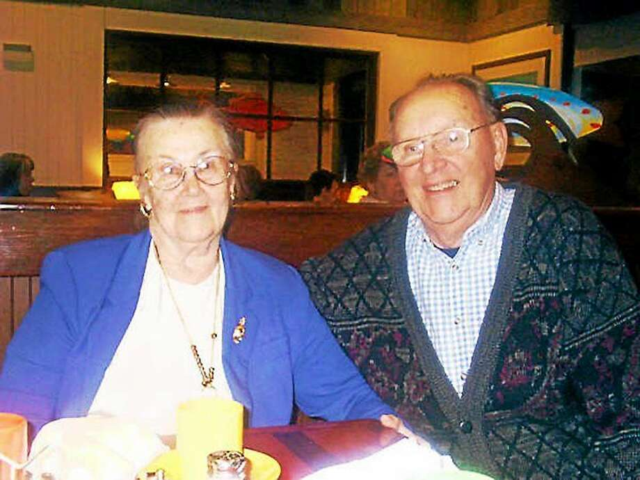 Kenneth and Helen Neff 70th anniversary Photo: Journal Register Co.