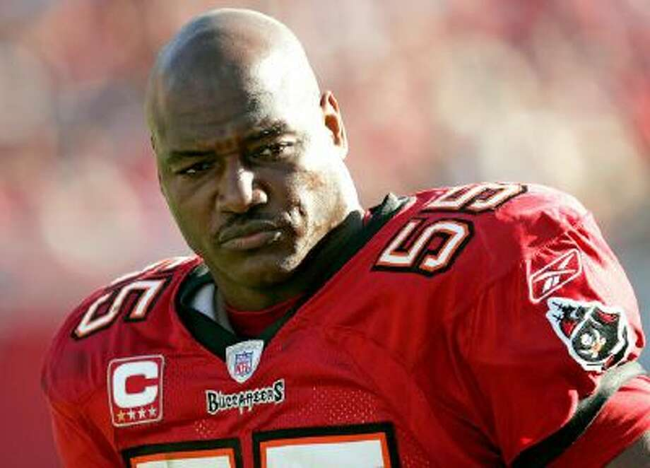 Former Tampa Bay Buccaneers linebacker Derrick Brooks is one of the nominees up for the 2014 NFL Hall of Fame class.