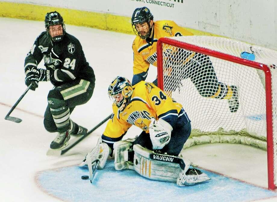 The Quinnipiac men's hockey team is ranked 15th in the first USCHO.com Division I poll of the season. Photo: Melanie Stengel — Register File Photo   / MELANIE STENGEL