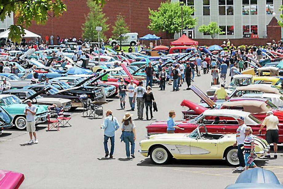 The annual Memorial Day Classic Car Show took place Sunday in Hamden. Photo: CONTRIBUTED PHOTO   / Paul Wolfer