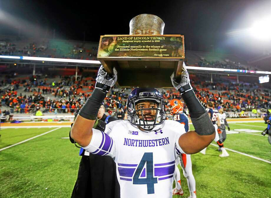 A federal agency ruled Wednesday that football players at Northwestern can unionize. Photo: Jeff Haynes — The Associated Press   / FR171008 AP