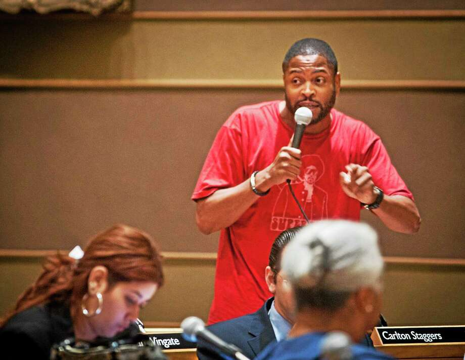 New Haven Alder Carlton Staggers speaks Tuesday about his conflicting emotions on a proposed amendment to the city budget concerning education funds. Photo: Melanie Stengel — New Haven Register