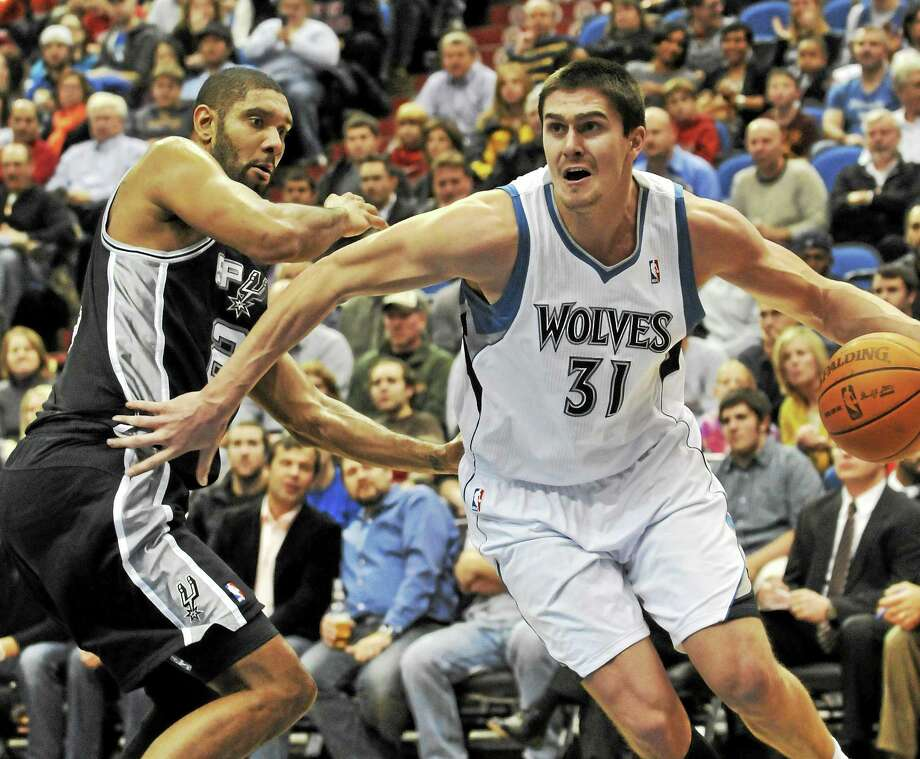 Darko Milicic is switching from the NBA to kickboxing. Photo: Jim Mone — The Associated Press File Photo   / AP