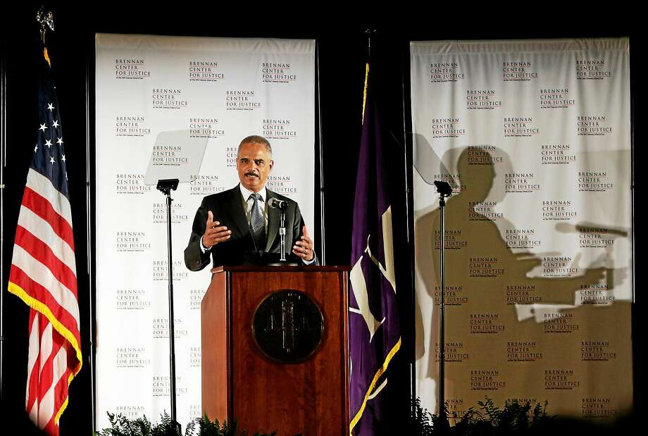U.S. Attorney General Eric Holder delivers a keynote speech at New York University's law school on Sept. 23, 2014, in New York. Photo: AP Photo/Julio Cortez   / AP