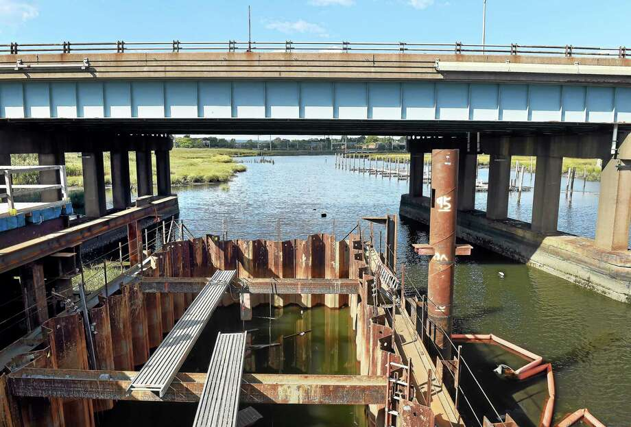 (Arnold Gold — New Haven Register)      A new foundation for a pier is being built to widen Interstate-95 at the West River Bridge between New Haven and West Haven on September 18, 2014. Photo: Journal Register Co.