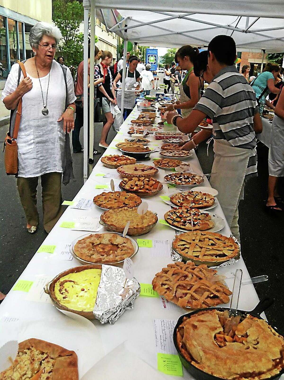 Enthusiastic tasters turned out for last year's Pie On 9 in New Haven.