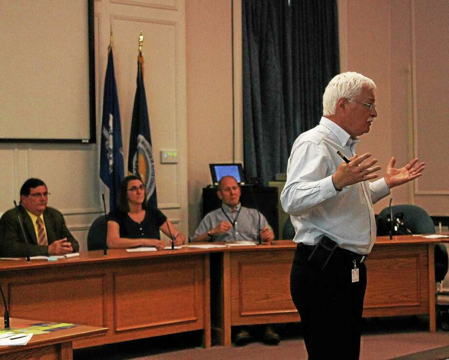 David Goodson of the United Illuminating Co. makes a presentation to West Haven residents during Wednesday's information session at City Hall. Photo: Evan Lips — New Haven Register