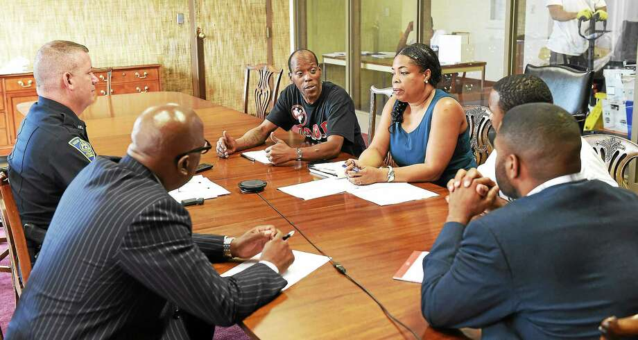 New Haven Register roundtable discussion about reducing New Haven violence on July 16. Photo: (Peter Casolino-New Haven Register)
