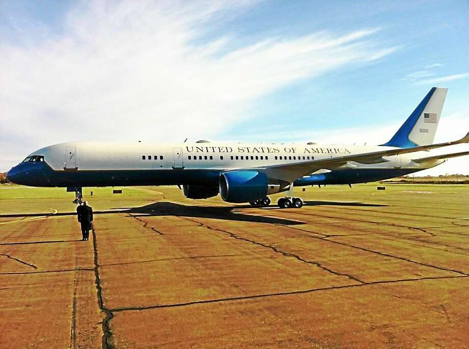 Air Force One at Tweed-New Haven Airport. Photo: Keldy Ortiz — New Haven Register